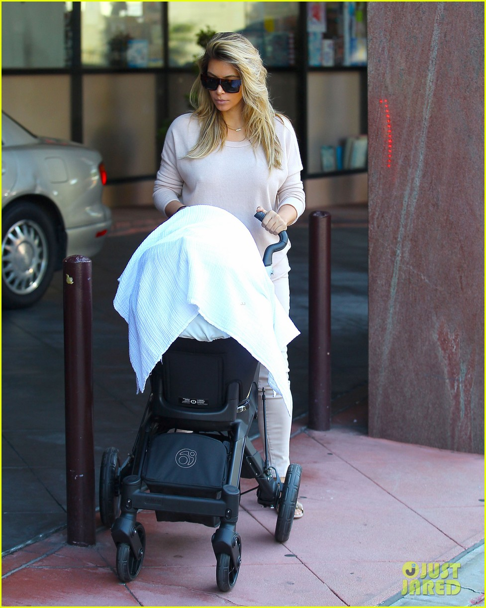 kim kardashian kanye west take north west to doctor 072969675