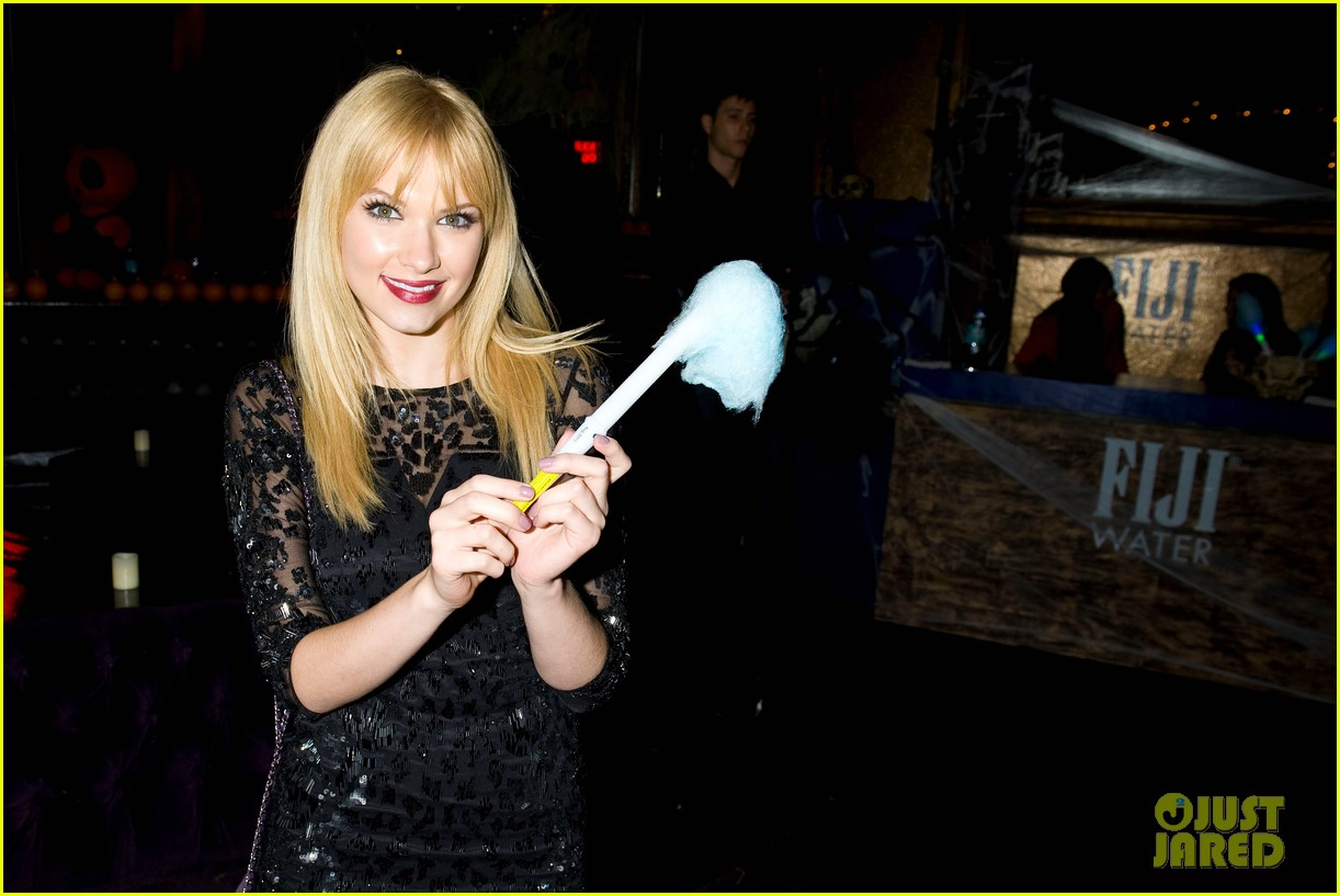 joey king becca tobin just jared halloween party 2013 092979322