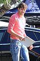 ashton kutcher mila kunis visits two and a half men 04