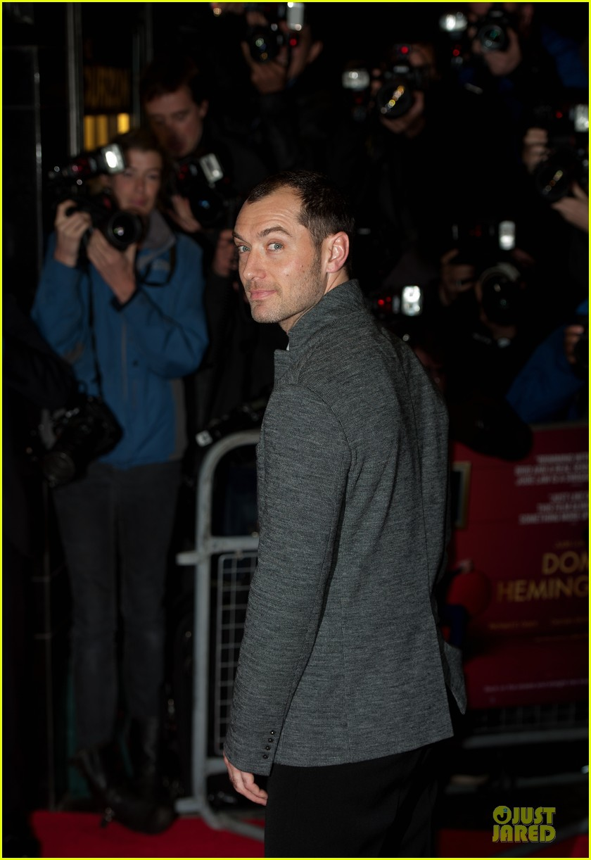 jude law dom hemingway london premiere 132981918