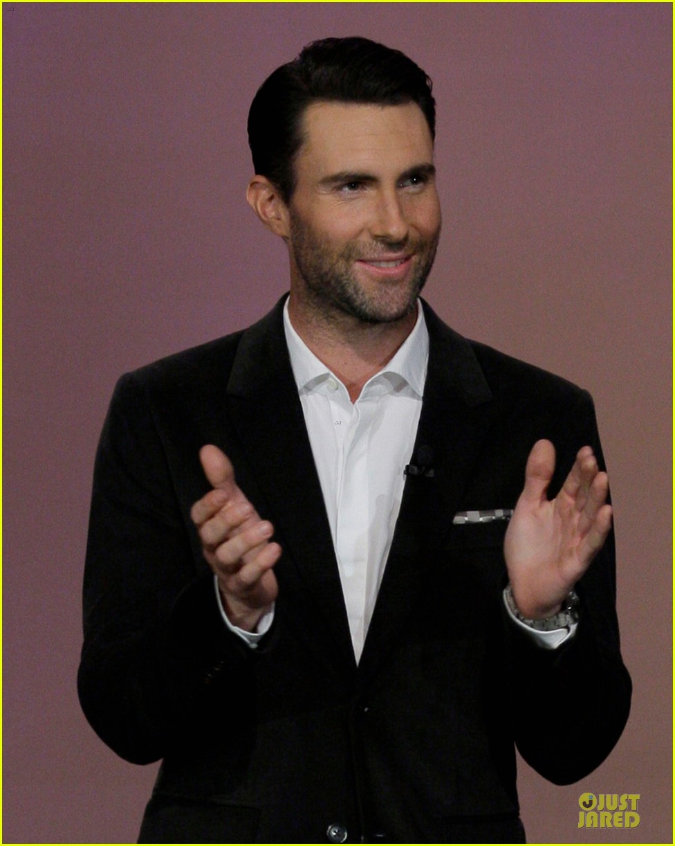 adam levine family guy guest starring cameo on sunday 02