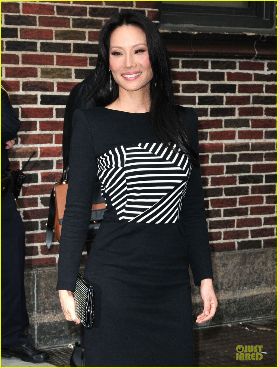 lucy liu mark ruffalo david letterman guests 212969367