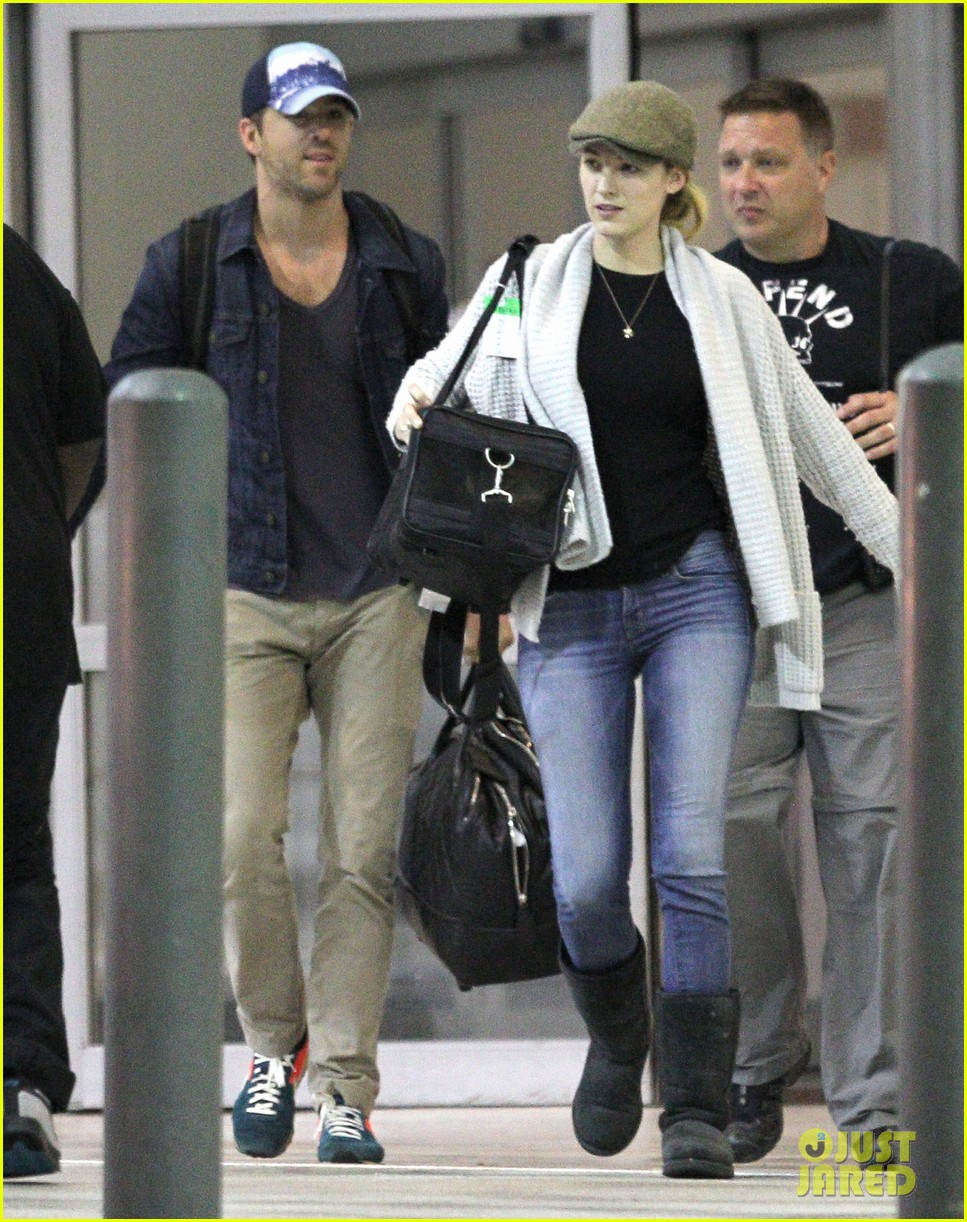 blake lively ryan reynolds touch down in new orleans 15