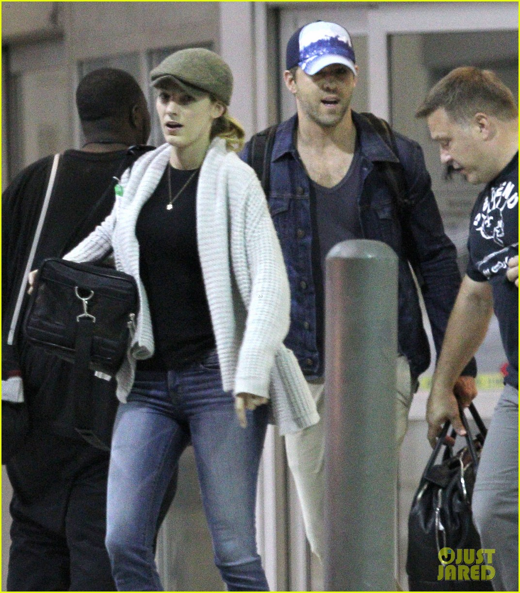 blake lively ryan reynolds touch down in new orleans 20