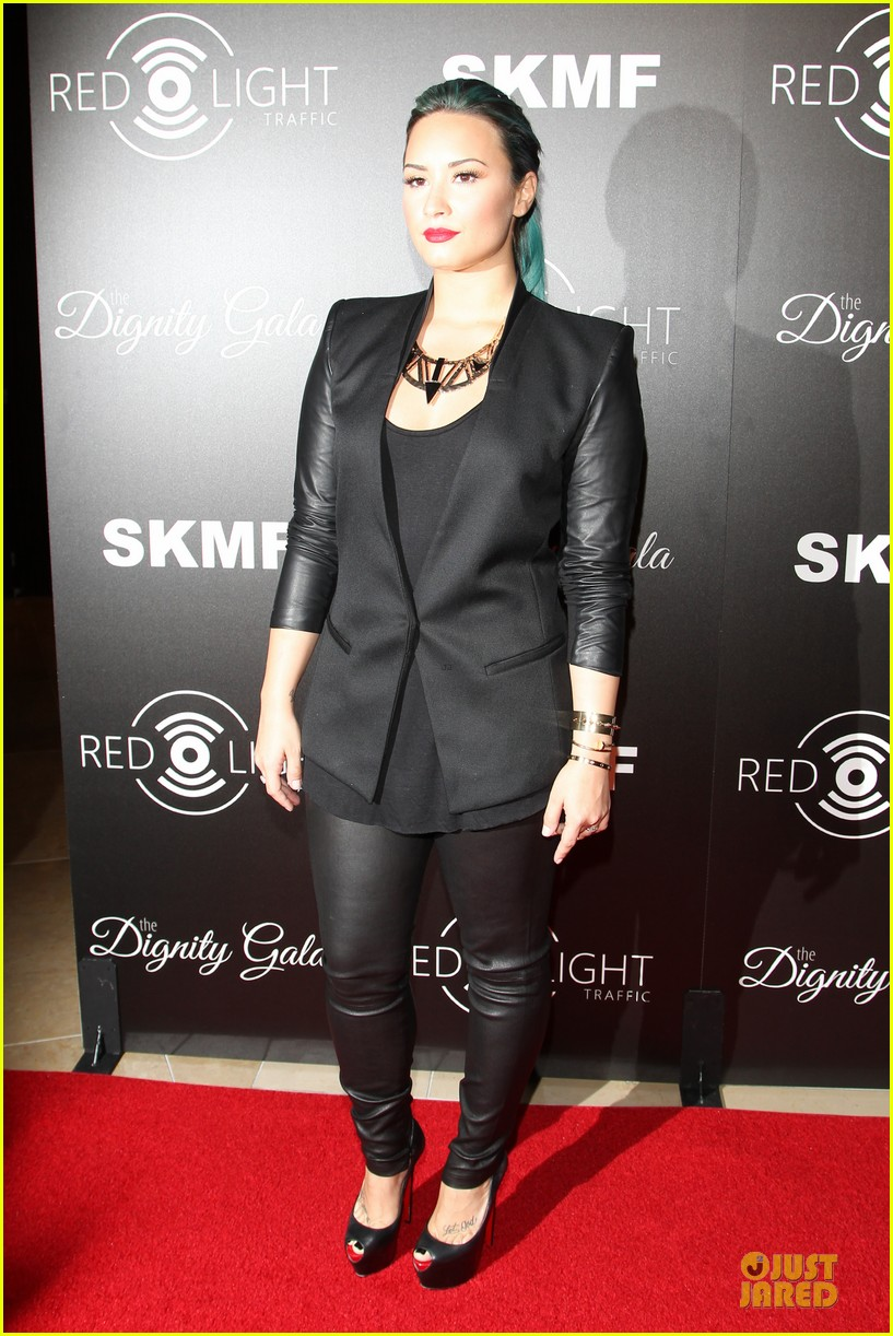 demi lovato redlight traffic app launch 06