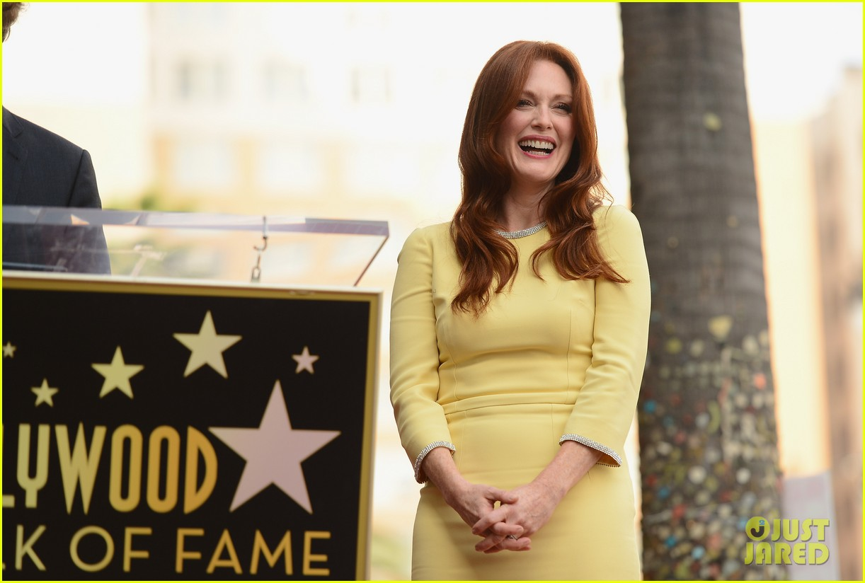 julianne moore hollywood walk of fame ceremony 06