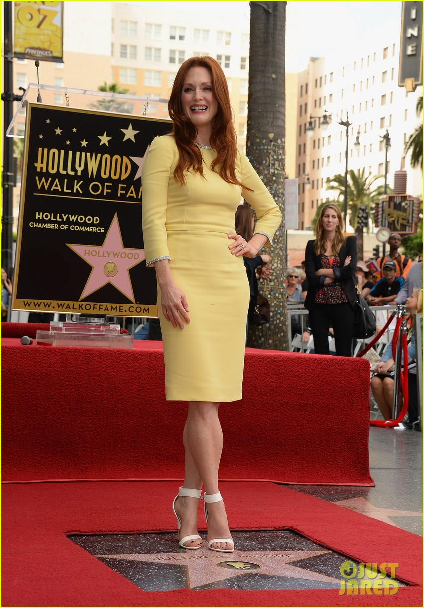 julianne moore hollywood walk of fame ceremony 10