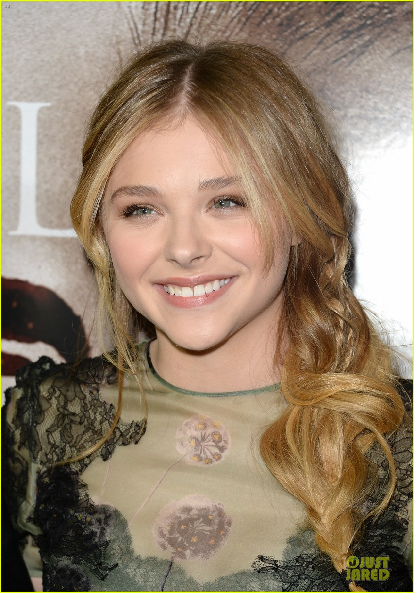 chloe moretz julianne moore carrie hollywood premiere 22