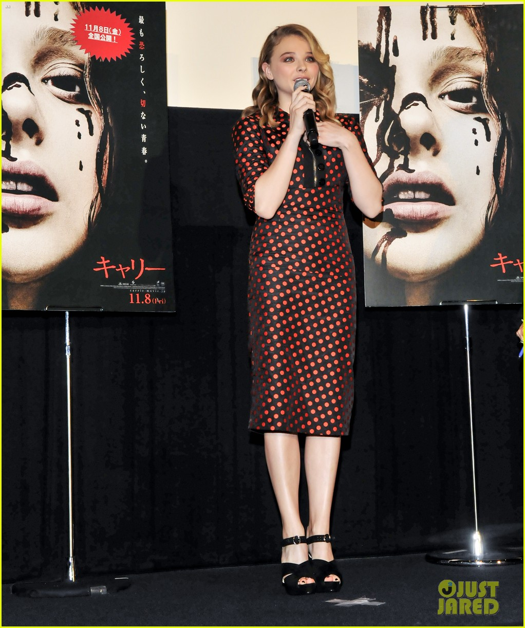 chloe moretz carrie tokyo stage greeting 10
