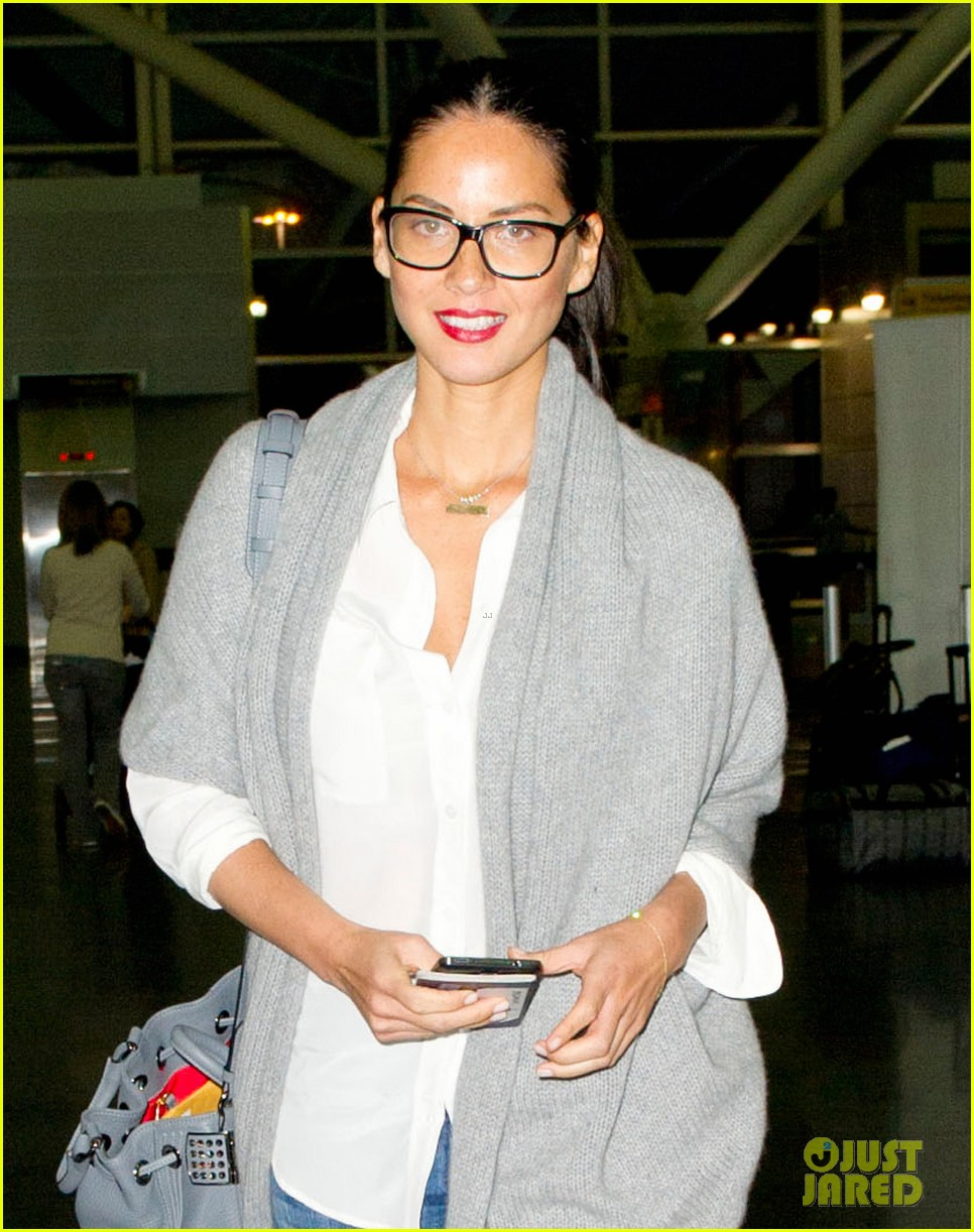 olivia munn i bonded with michael kors over social anxiety 02