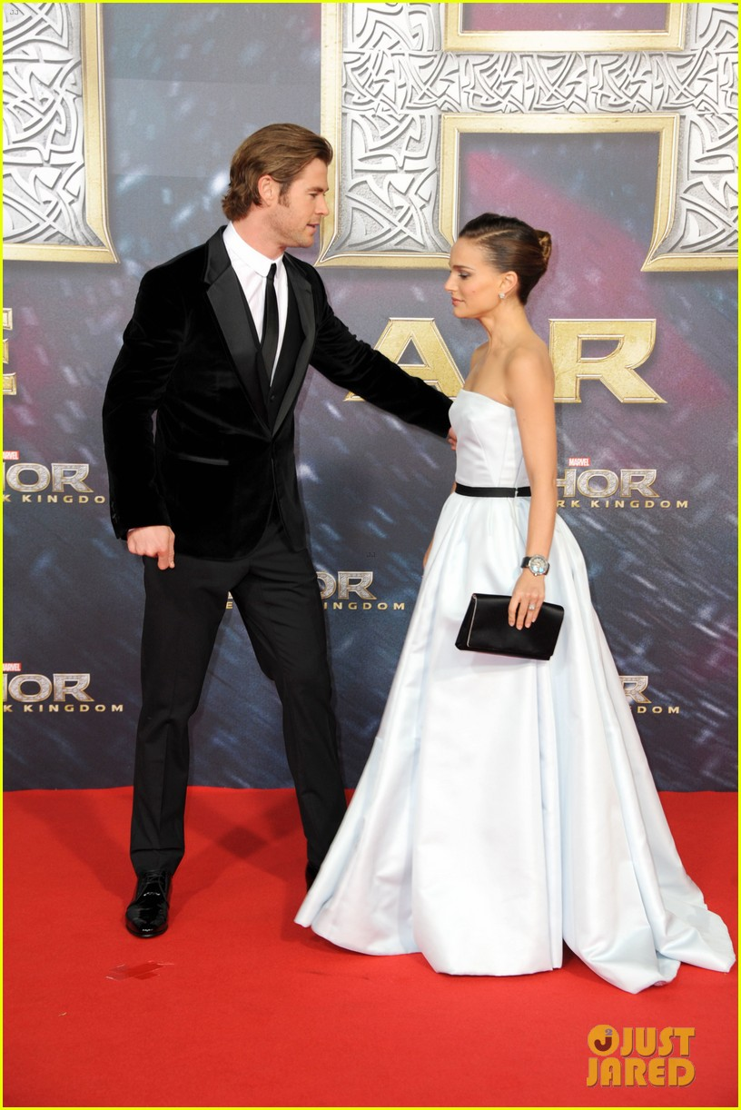 natalie portman chris hemsworth thor berlin premiere 13