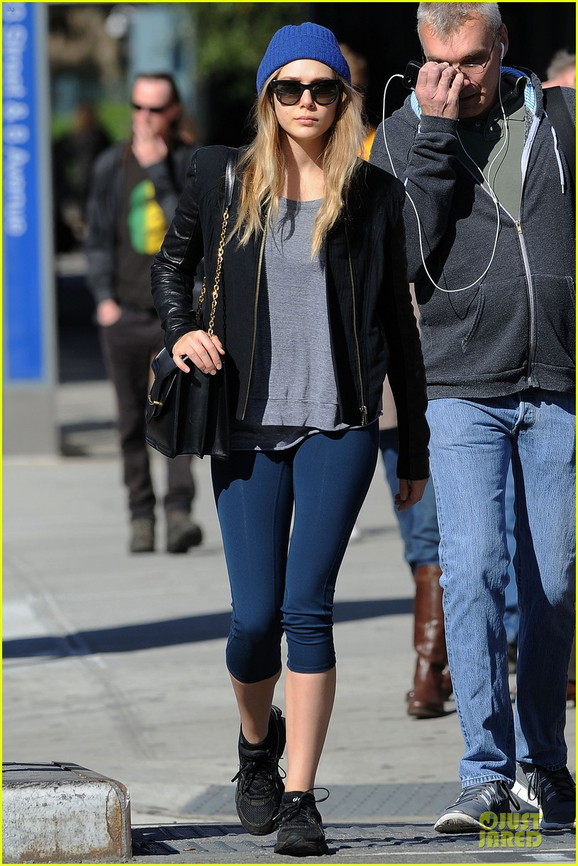 elizabeth olsen stays fit mary kate lands at lax airport 01