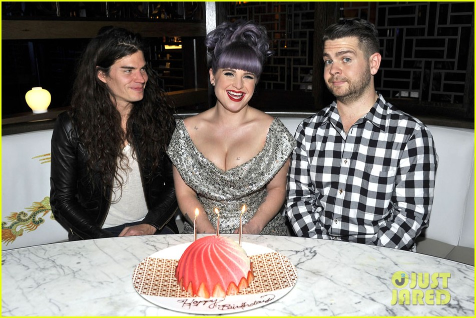kelly osbourne celebrates birthday amid lady gaga feud 01