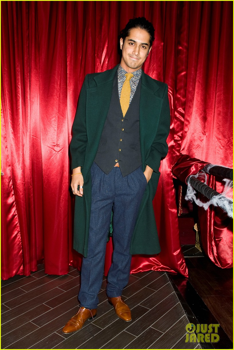 patrick schwarzenegger wilson bethel just jared halloween party 2013 03