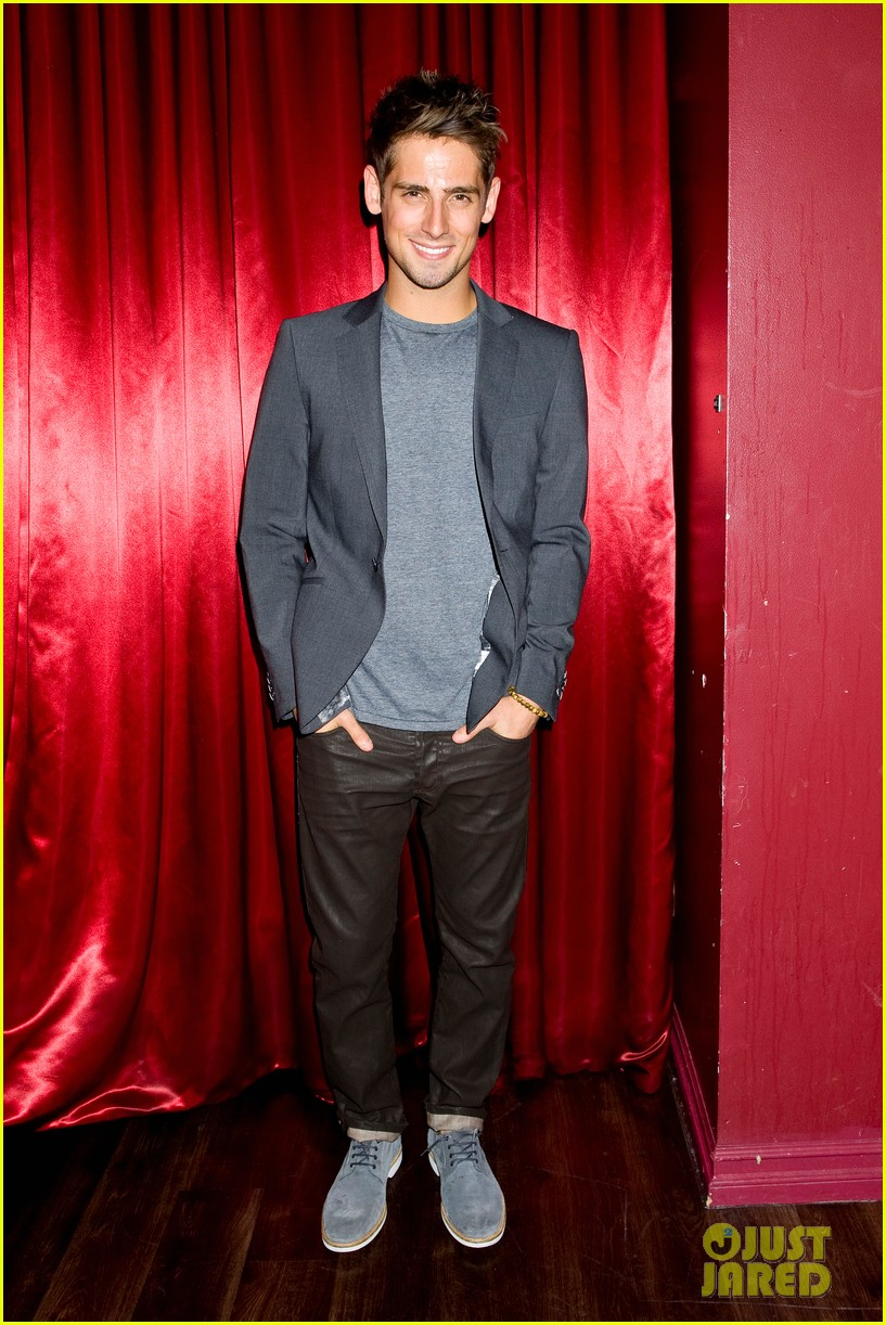 patrick schwarzenegger wilson bethel just jared halloween party 2013 05