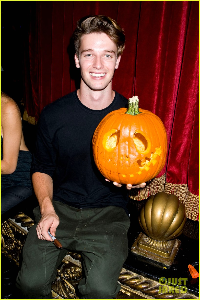 patrick schwarzenegger wilson bethel just jared halloween party 2013 16
