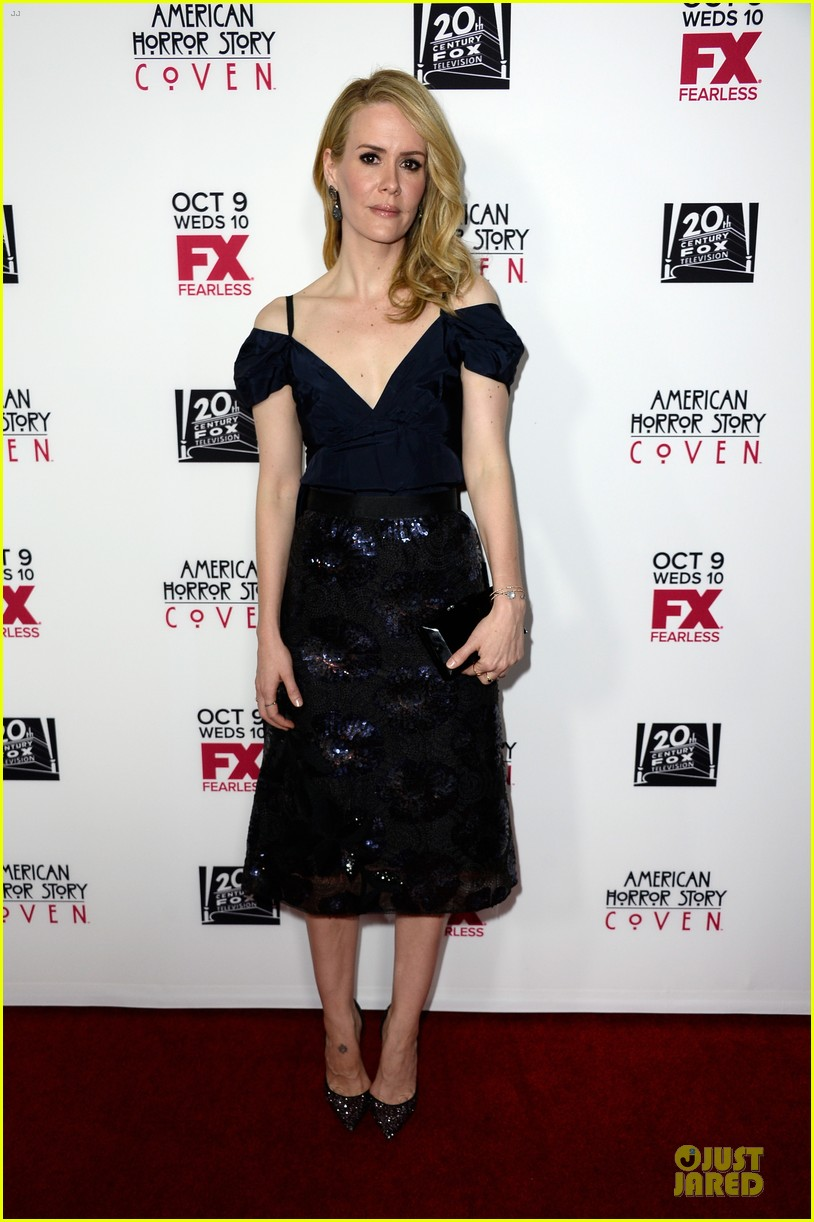 sarah paulson jessica lange american horror story coven premiere 01