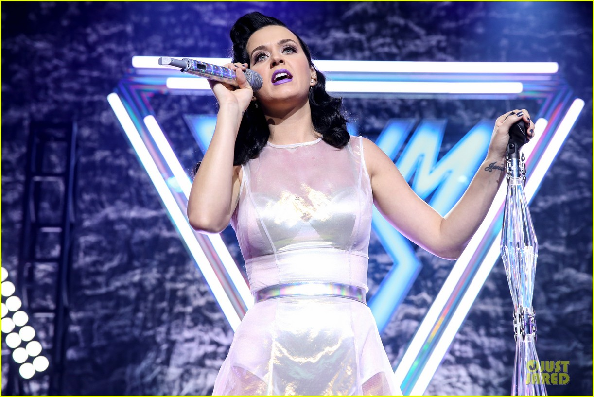 katy perry performs at iheartradio prism release party 09