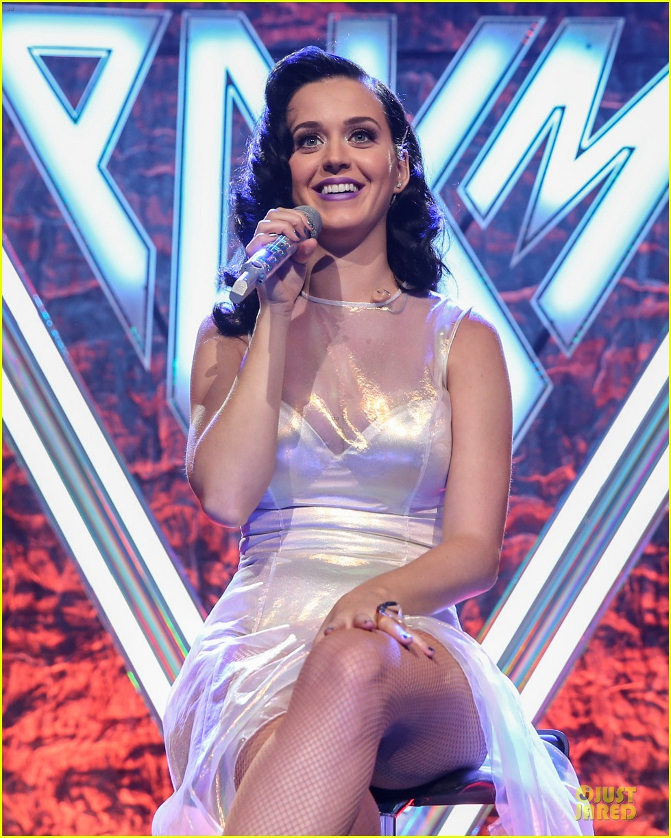 katy perry performs at iheartradio prism release party 14
