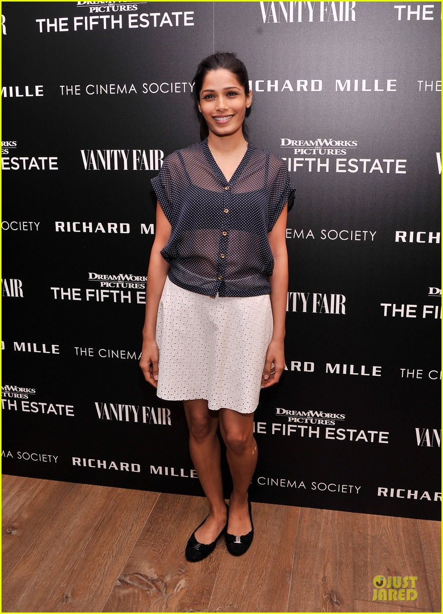 freida pinto flashes black bra at the fifth estate screening 082970353
