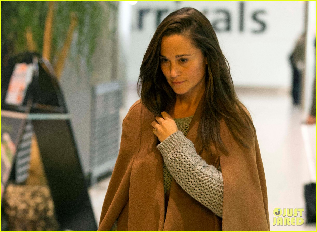 pippa middleton nico jackson arrive back in england 012967568