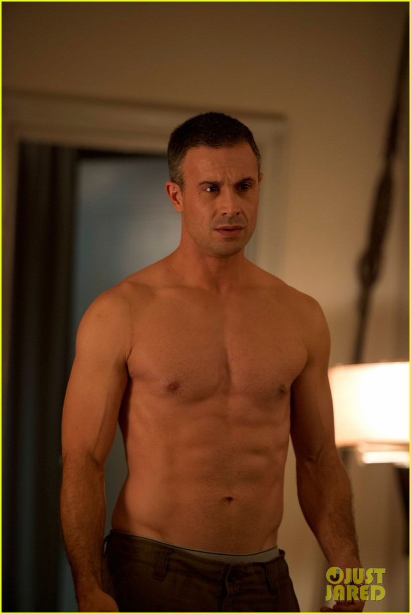freddie prinz jr shows off six pack abs for witches of east end 04