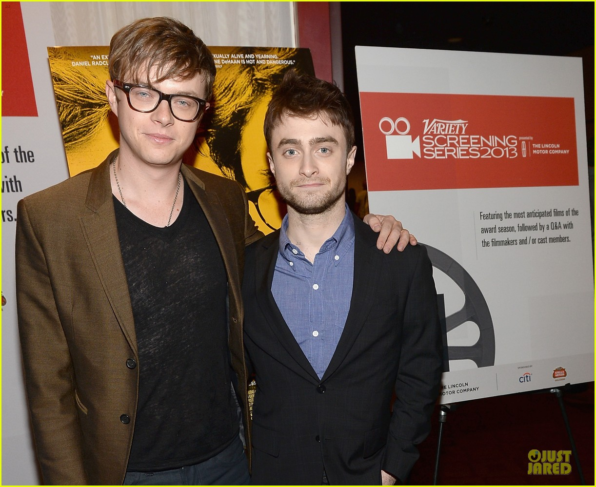 daniel radcliffe im comfortable with being naked 022967177