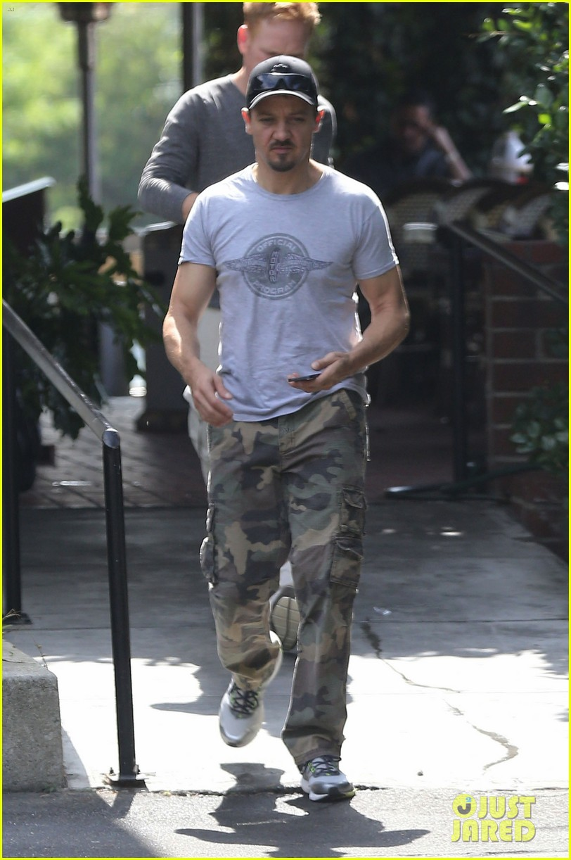 jeremy renner goes camouflage in west hollywood 07