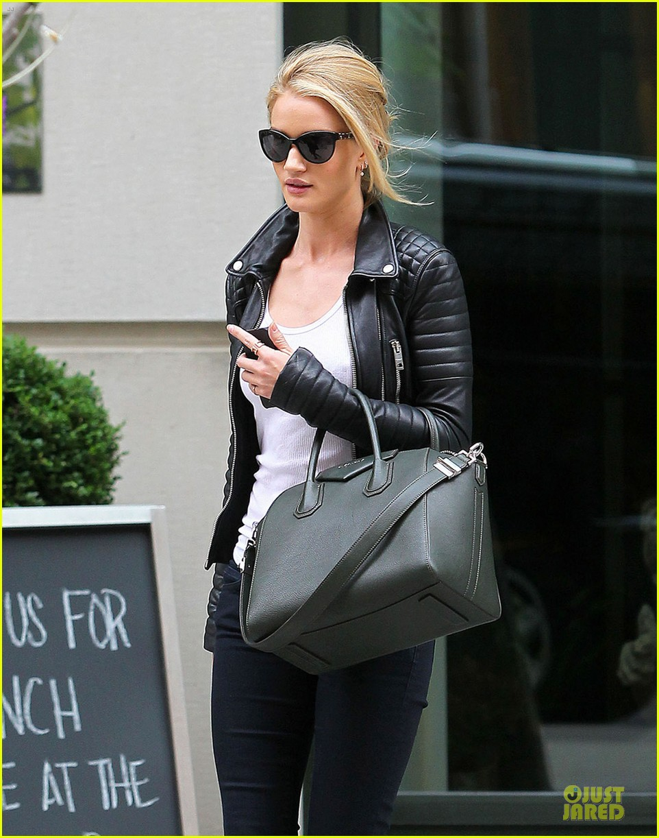 rosie huntington whiteley its expected for models to be real 02