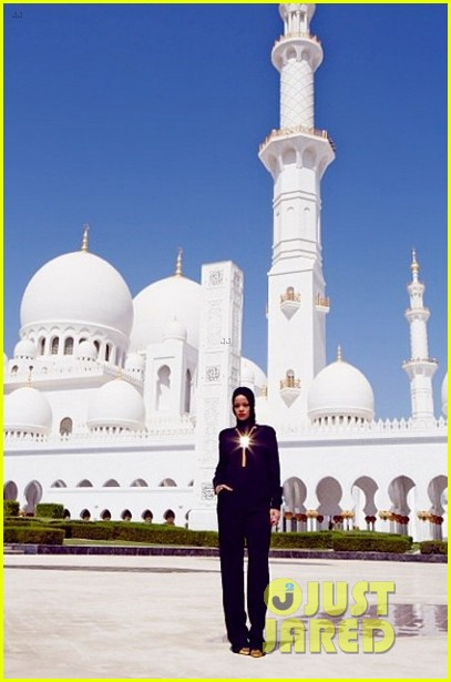 rihanna asked to leave abu dahbi mosque after photo shoot 10