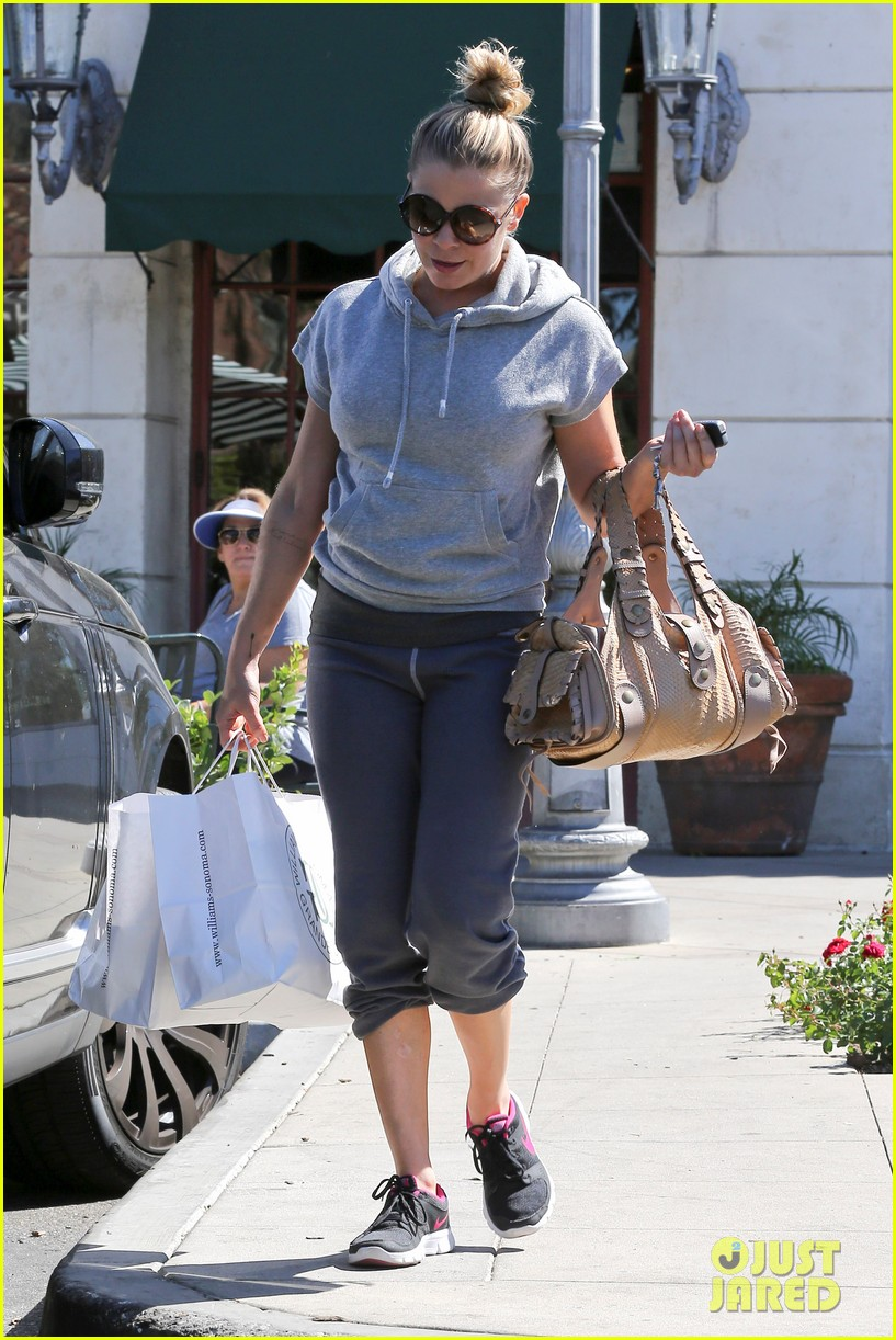leann rimes embraces fall goes on pumpkin spree 122967395
