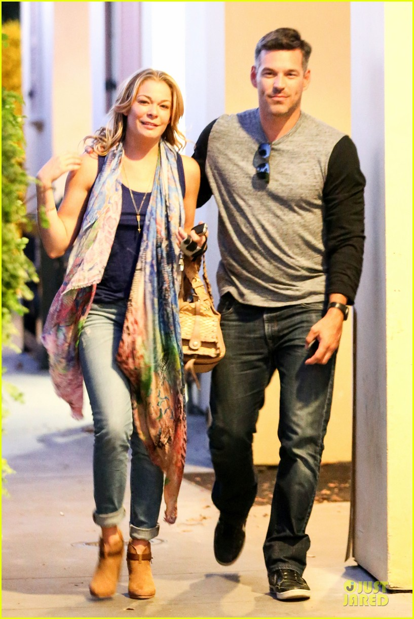 leann rimes sushi dinner date with my man eddie cibrian 01
