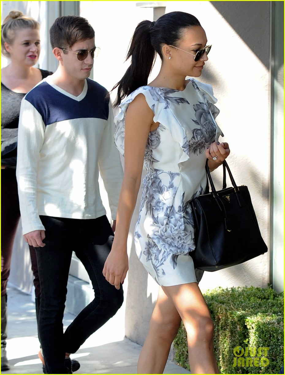 naya rivera goes wedding dress shopping with kevin mchale 19