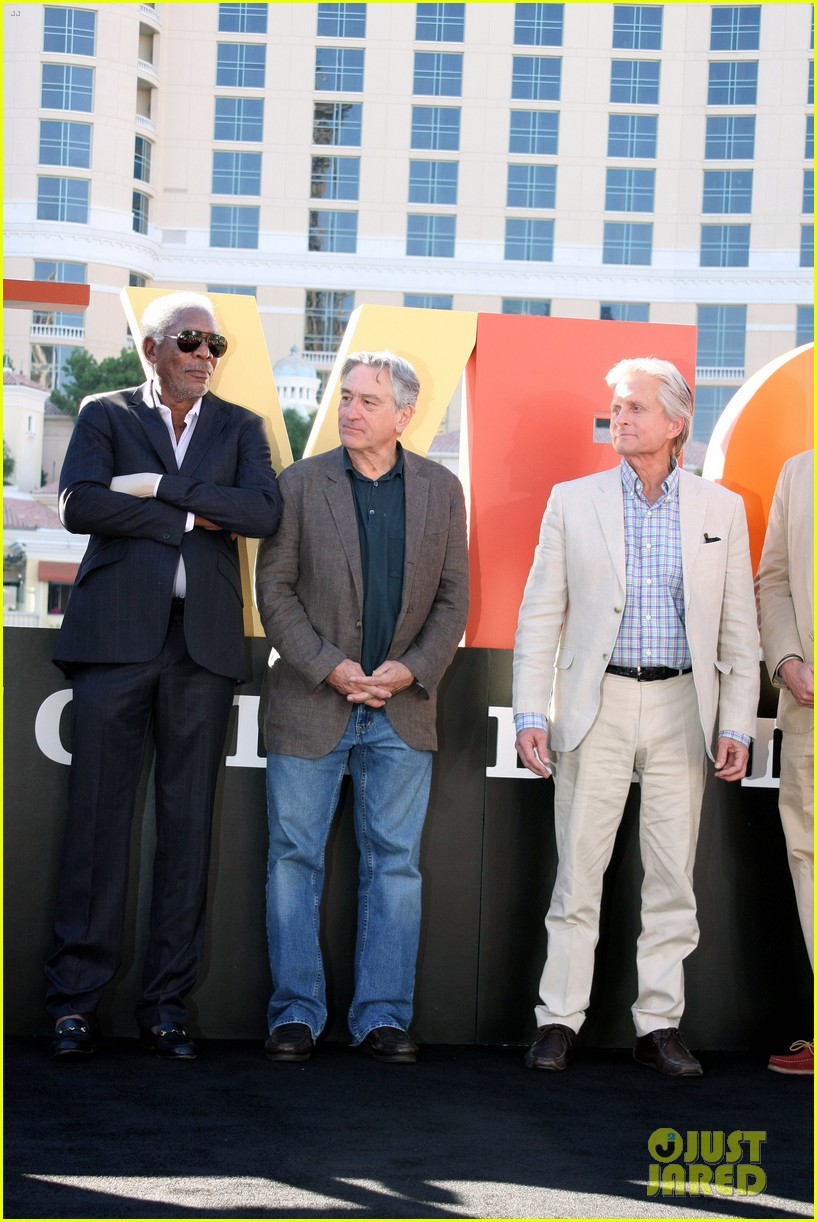 robert de niro michael douglas las vegas cast honored with key to the city 062975895