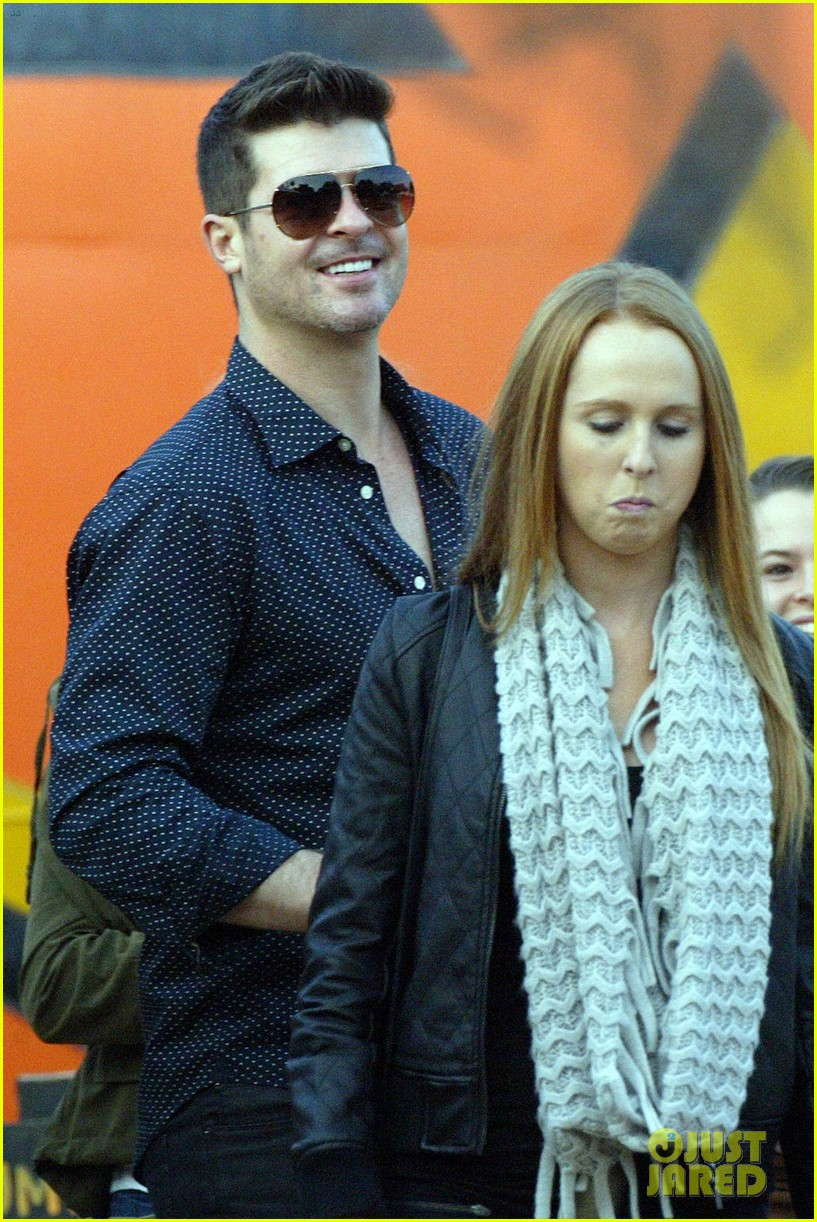 robin thicke paula patton smooches pumpkin patch 322981011