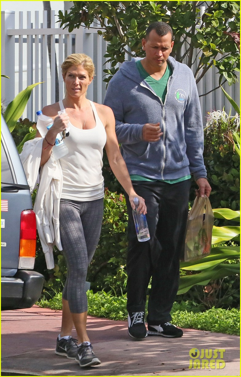 alex rodriguez gym with torrie wilson after whistleblower incident 04