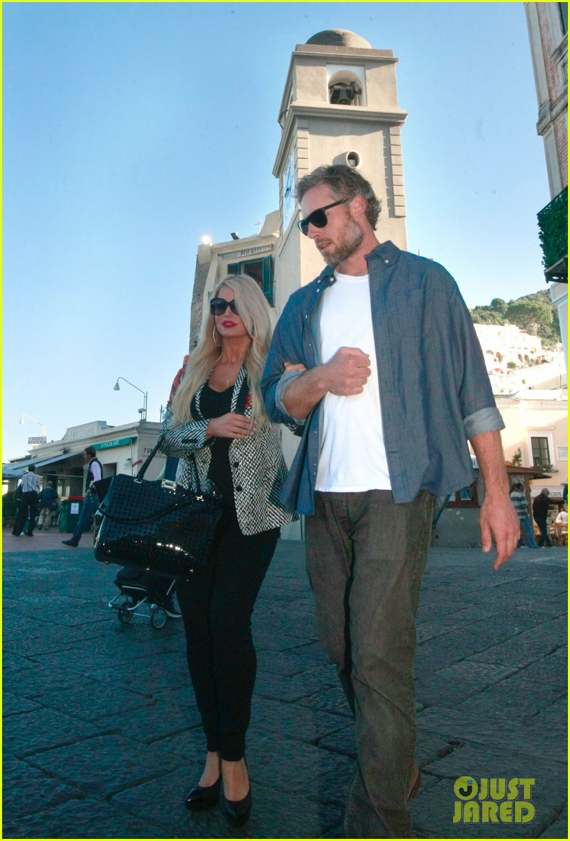 jessica simpson eric johnson continue wedding scouting 062973692