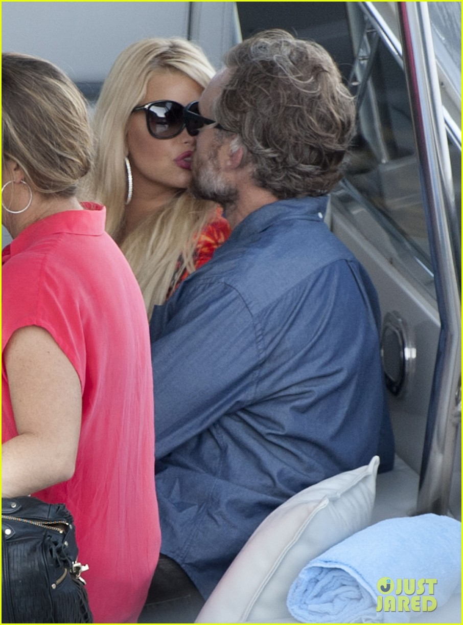 jessica simpson eric johnson continue wedding scouting 222973708