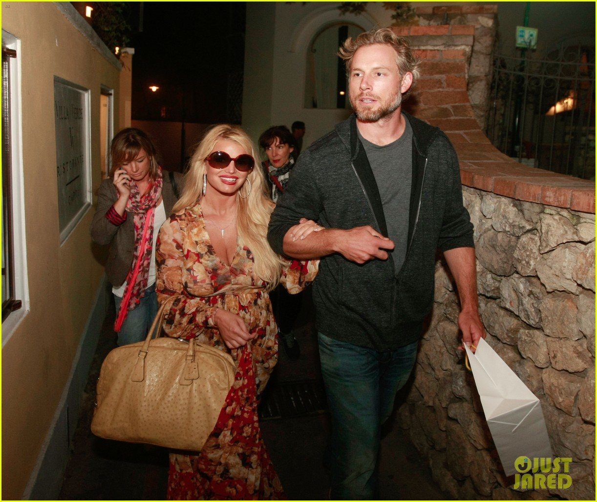 jessica simpson eric johnson in capri prepping wedding 16