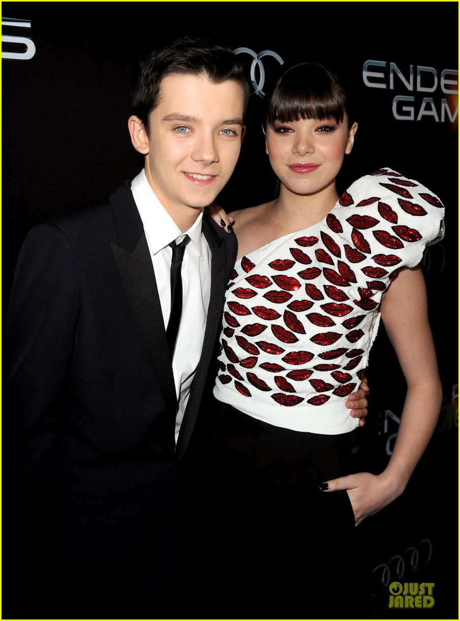 hailee steinfeld asa butterfield enders game premiere 13
