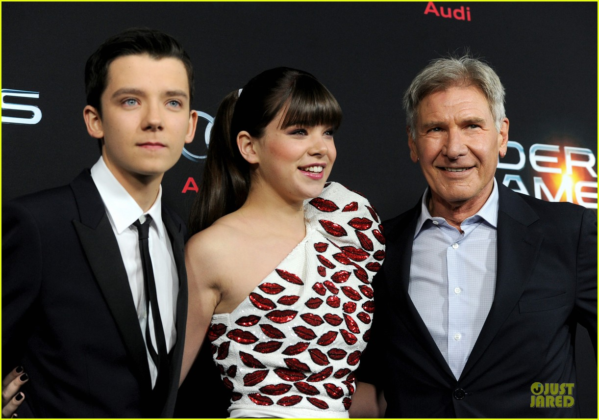 hailee steinfeld asa butterfield enders game premiere 17