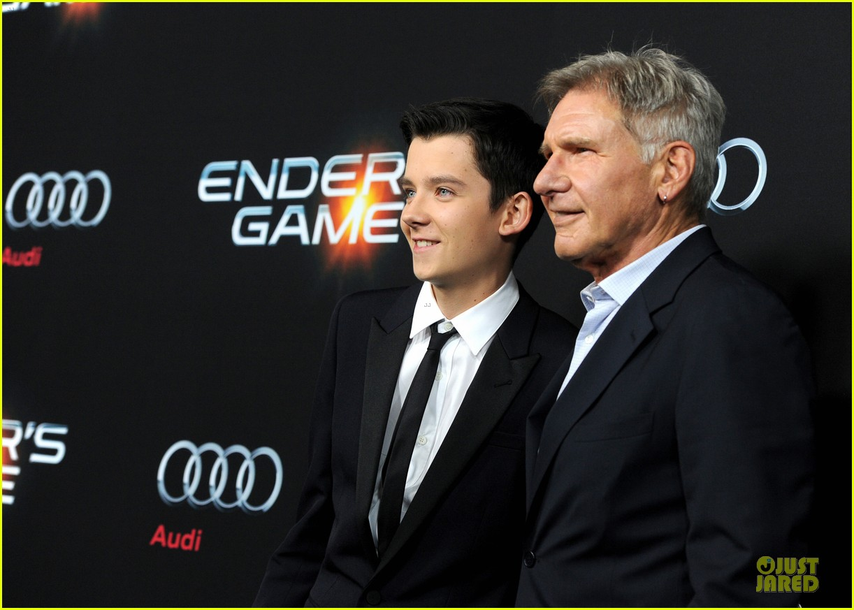 hailee steinfeld asa butterfield enders game premiere 18