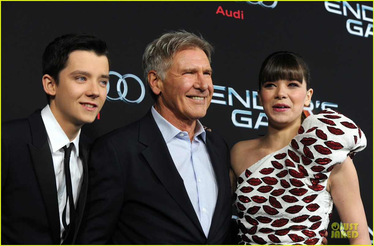 hailee steinfeld asa butterfield enders game premiere 252982076