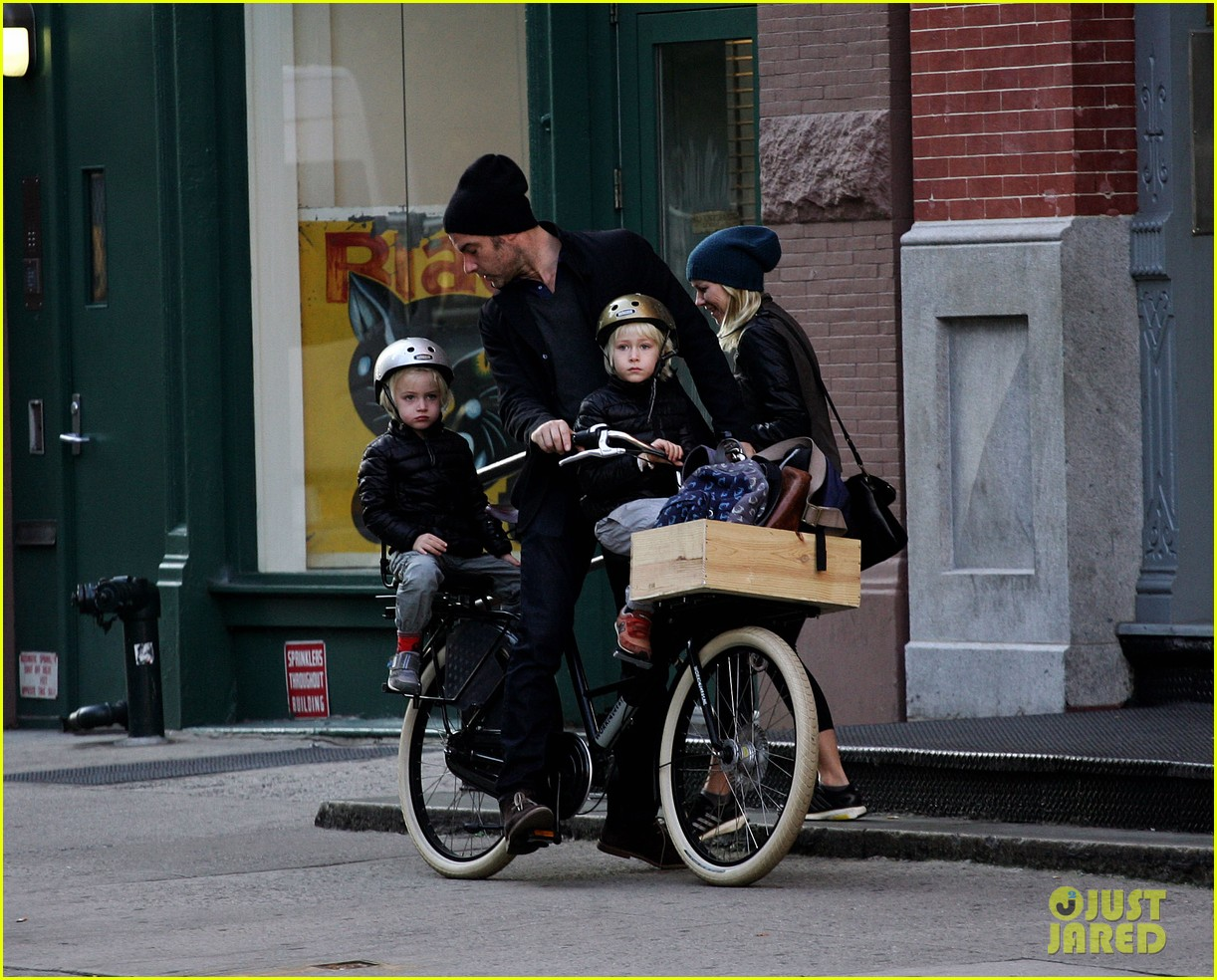 naomi watts liev screiber boys all ride on same bike 092973015