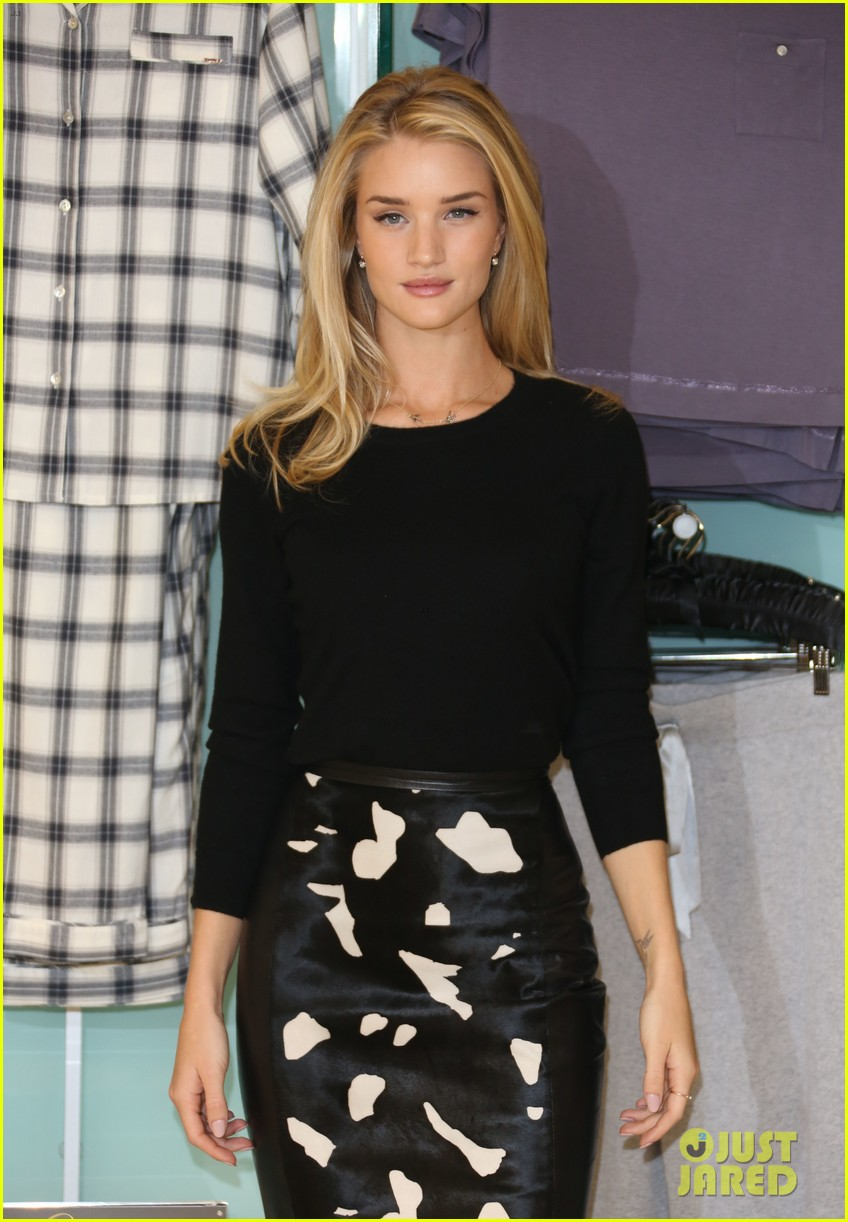 rosie huntington whiteley rosie for autograph photo call 072972816
