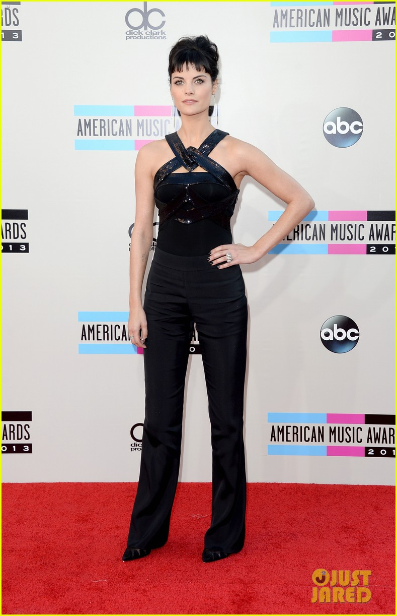 jaimie alexander amas 2013 red carpet 04