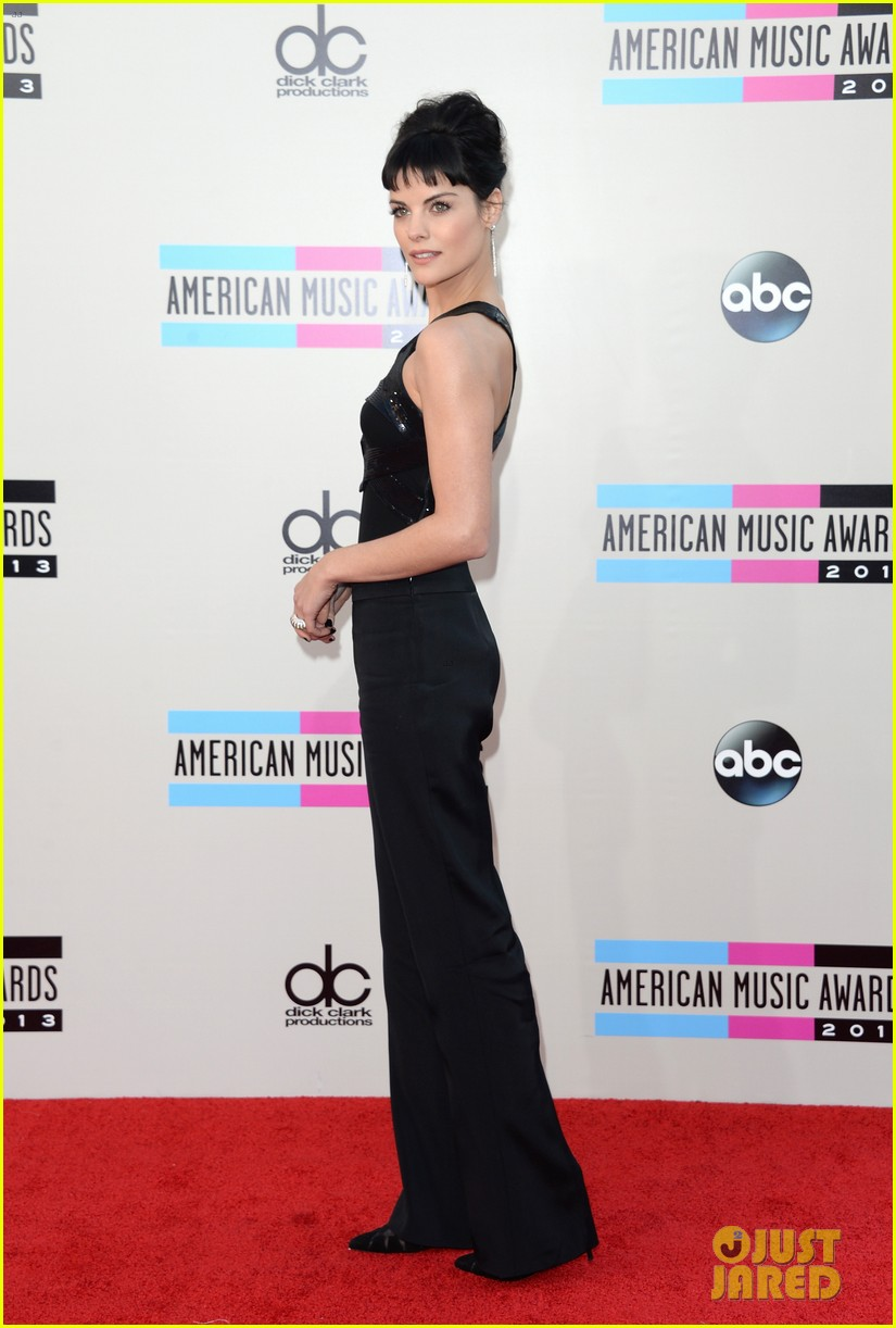 jaimie alexander amas 2013 red carpet 06