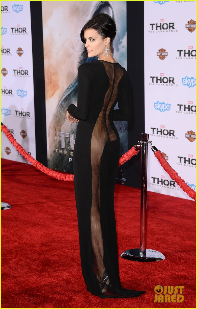 jaimie alexander wears racy dress no underwear to thor premiere 082986536