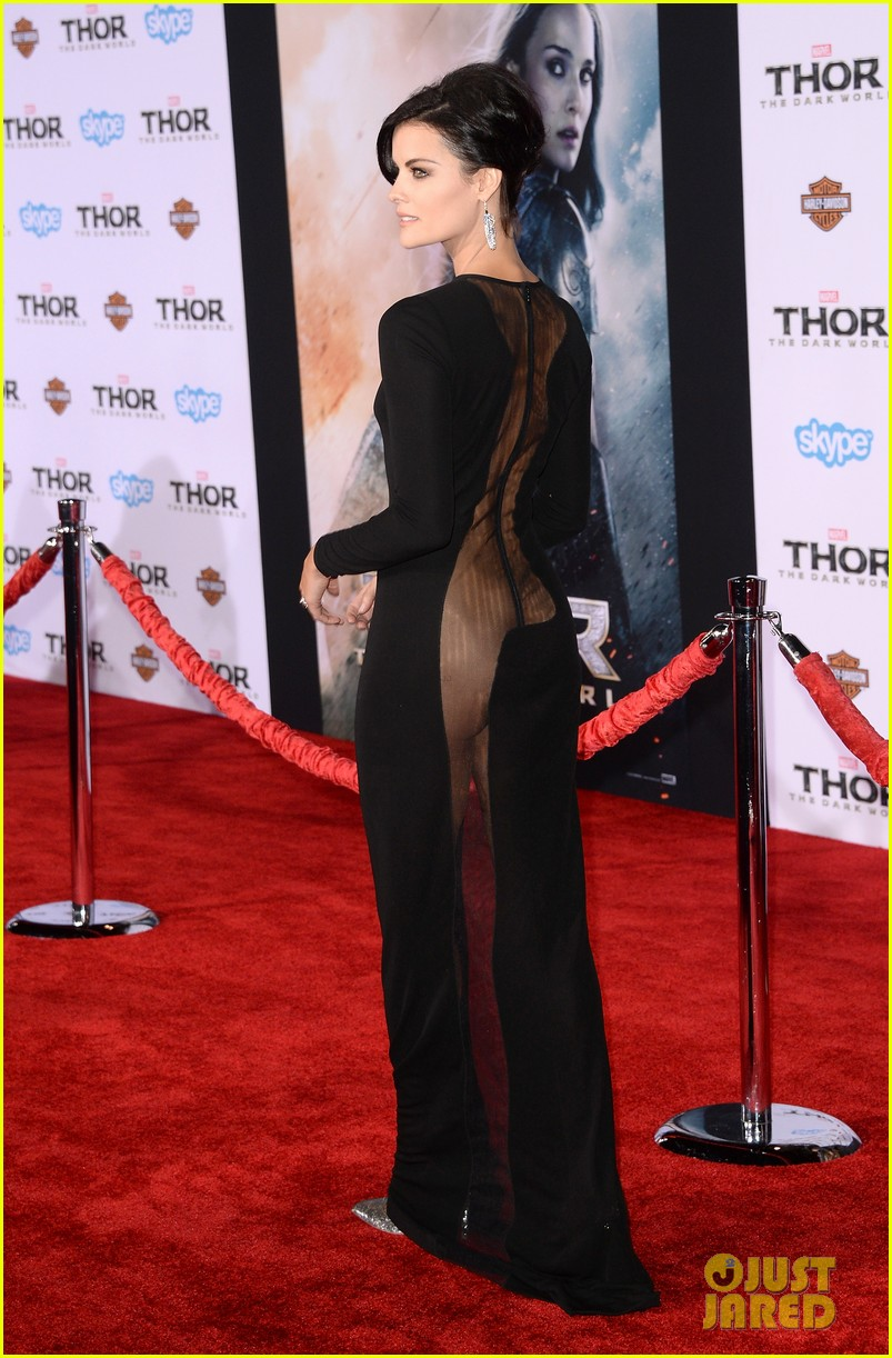 jaimie alexander wears racy dress no underwear to thor premiere 102986538