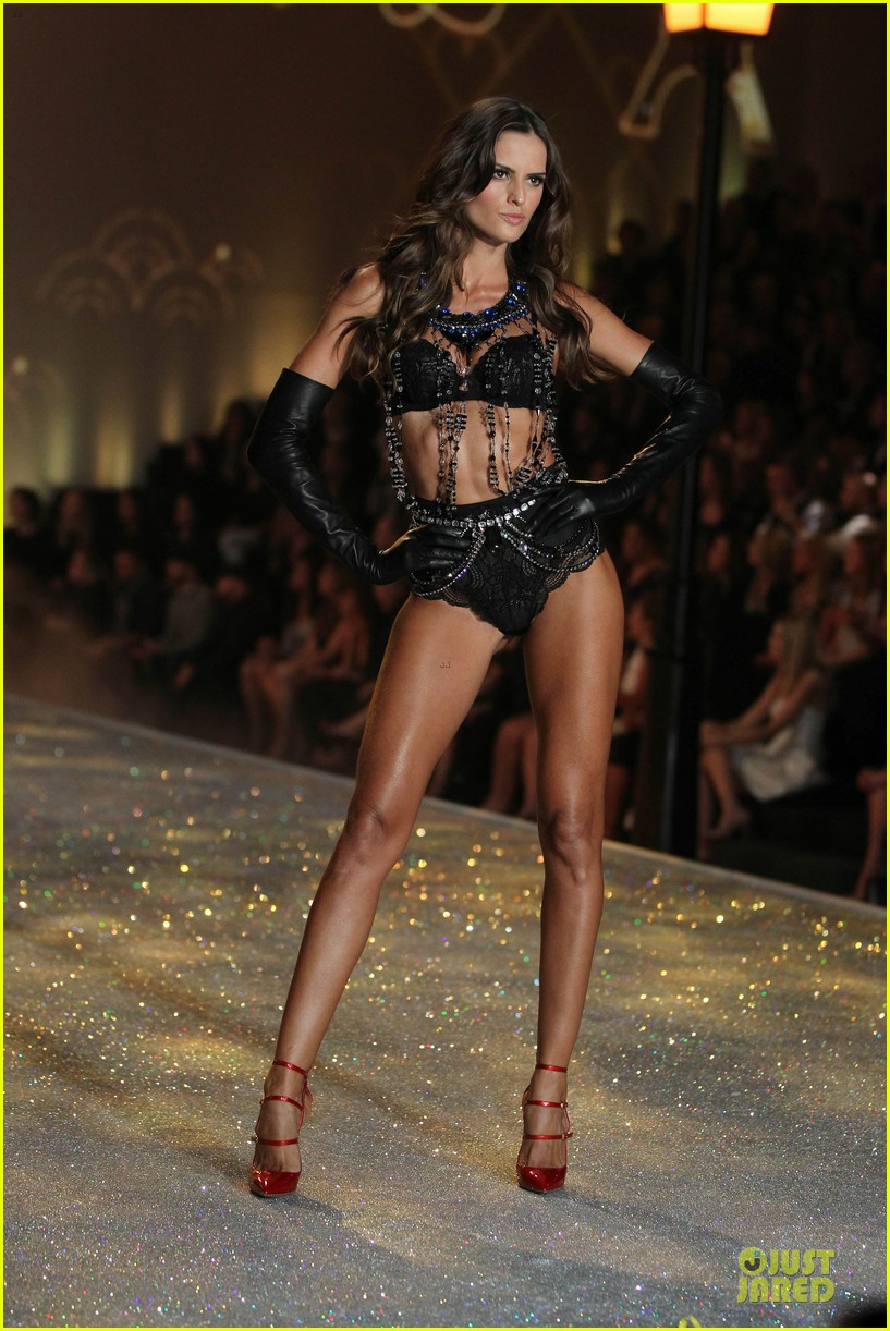alessandra ambrosio karlie kloss victorias secret fashion show 2013 322992265